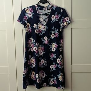 ❄️ 3/$25 Blue Floral T-shirt Dress EUC